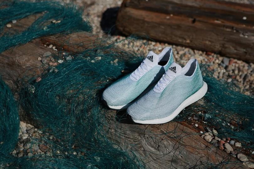 Adidas створив колекцію кросівок з океанічного сміття